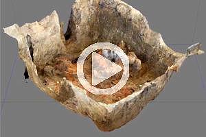 Scânteia 2019: Virtueller Überflug über das 3D-Modell der Grube mit den Wandfragmenten.