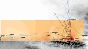 Südwestfrankreich, Mittleres Magdalénien mit contour découpé. Häufigkeiten der charakterisierenden Merkmale der mobilen Kunstobjekte von Enlène (Isolinien) in Inventaren zeitgleicher Fundstellen in Südwest-Frankreich und Nordwest-Spanien. Helle Flächen entsprechen Regionen niedriger Übereinstimmung, dunkel Flächen entsprechend hoher Übereinstimmung. Darüber geplottet die Rohmaterialversorgung mit lithischen Gesteinen: zentrale Pyrenäen (schwarz), Landes (rot), Dordogne (blau), Languedoc (grün) und Asturien (hellblau); (© Andreas Pastoors).
